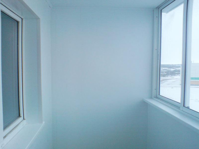 Фото отделка балконов, фотографии отделка лоджий: пластик....
